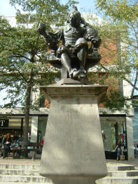 Statue of Thomas Browne at Norwich Haymarket